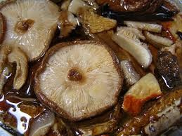Steamed frog and mushroom